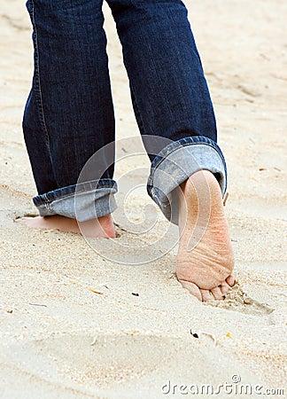 ноги довольно