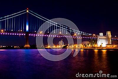 本杰明桥梁富兰克林晚上