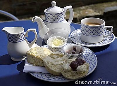 传统奶油色英国的茶