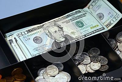 配件箱现金