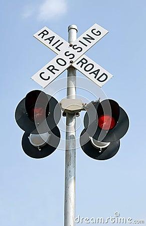 железная дорога проблескивая светов