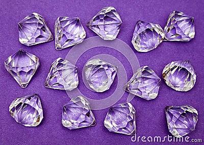 紫色的珠宝