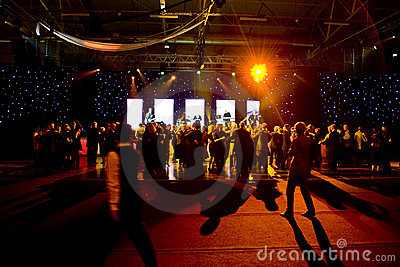 этап людей танцы