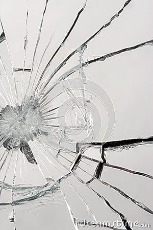 残破的镜子