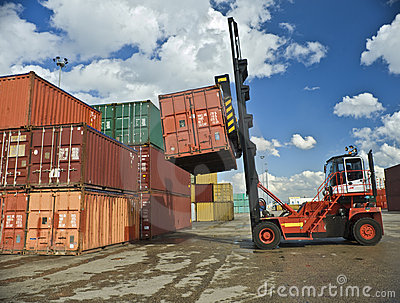 укреплять контейнеров
