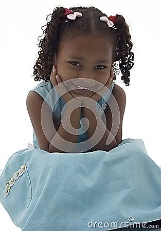 非洲裔美国人的蓝色礼服女孩一点