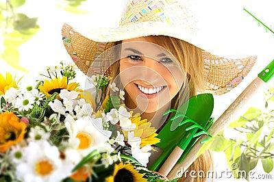 ξανθά εργαλεία κοριτσιών κηπουρικής