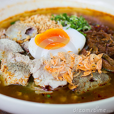 Noodle with pork and egg boiled