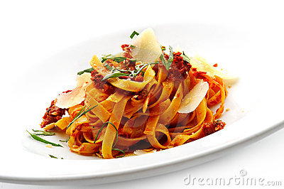Noodles with tomato sauce