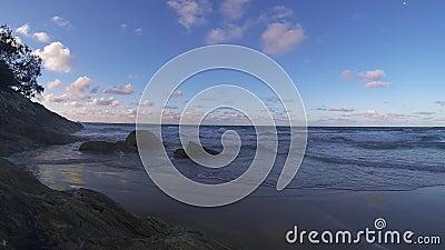 North Stradbroke Island Beach Landschaft Australien Queensland Rocky Sand Seascape stock footage