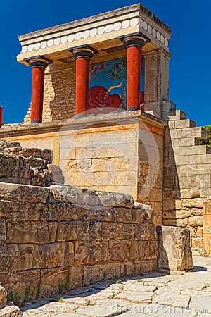 Free Northern Entrance To Knossos Palace, Island Of Crete Royalty Free Stock Photos - 40134818