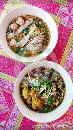 Free Northern Thai Noodle Soup Dishes Royalty Free Stock Images - 48763609
