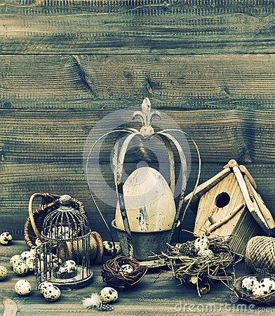 Nostalgische het huisdecoratie van pasen stilleven met eieren stock foto afbeelding 49801533 - Afbeelding van huisdecoratie ...