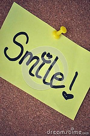 Nota do sorriso no quadro de anúncios