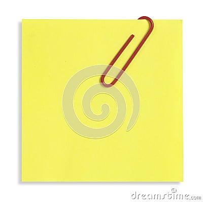 Nota pegajosa amarela isolada