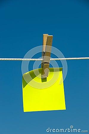Note collante jaune