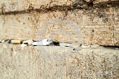 Notes in western wall