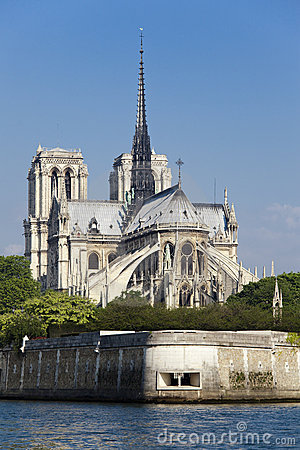 Free Notre Dame De Paris Royalty Free Stock Photo - 15759575
