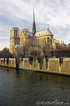 Free Notre-Dame De Paris Royalty Free Stock Images - 8041549