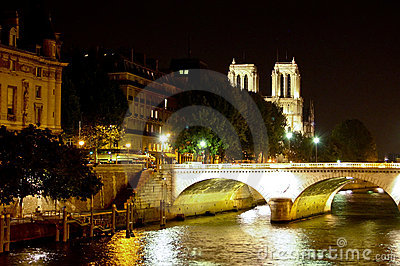Notre Dame de Paris over the Seine River