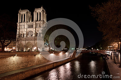 Notre Dame de Paris and the Seine