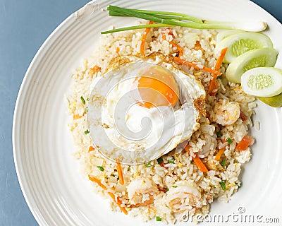 Nourritures thaïlandaises : Riz frit