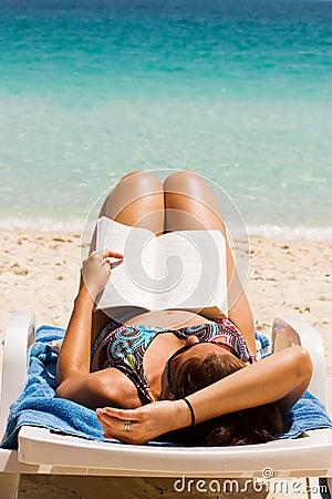 Free Novel At Beach Royalty Free Stock Photos - 6075918