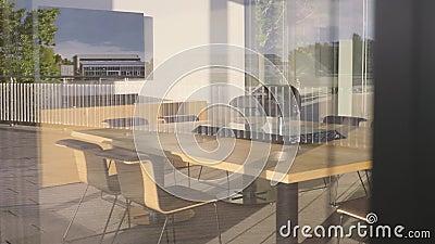 Nowa sala z tabelą zbiory wideo
