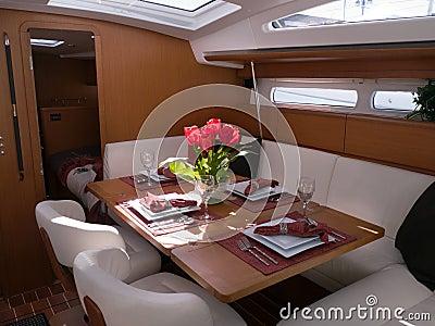 Nowożytny jachtu wnętrze