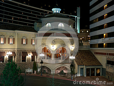 Nowożytny luksusowy restauracyjny budynek