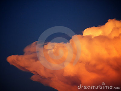 Nuage orange fou