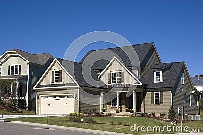 Nuova casa suburbana dell alta società