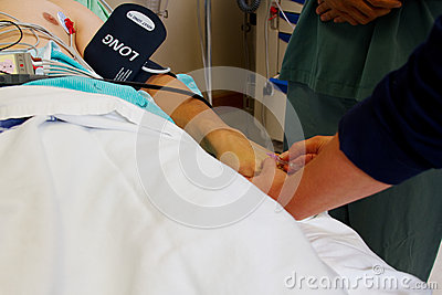 Nurse starting an intravenous