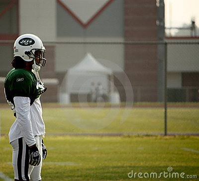 NY Jets Cornerback watches training Editorial Photography