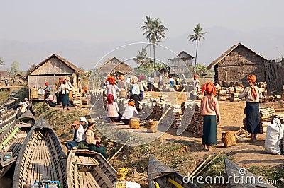 NYAUNG SHWE, MYANMAR - Firewood market Editorial Stock Image