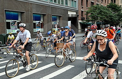 NYC: Bicyclists on Park Avenue Editorial Stock Image
