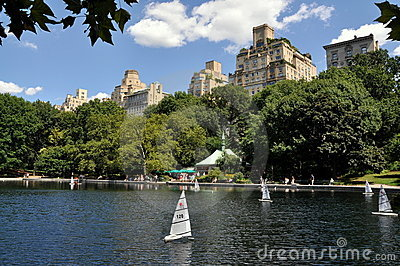 NYC: Central Park Sailboat Pond Editorial Stock Image