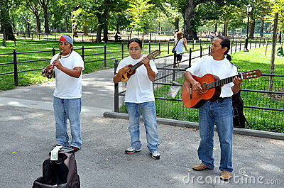 NYC: Musicians in Central Park Editorial Photography