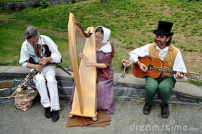 NYC:Musicians Entertaining at The Grange Editorial Stock Photo
