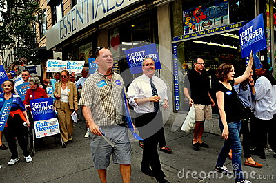 NYC: Políticos que hacen campaña para el cargo político Foto de archivo editorial