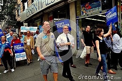 NYC: Politici die voor Politiek mandaat een campagne voeren Redactionele Stock Foto