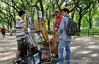 NYC: Tourists in Central Park Editorial Photo