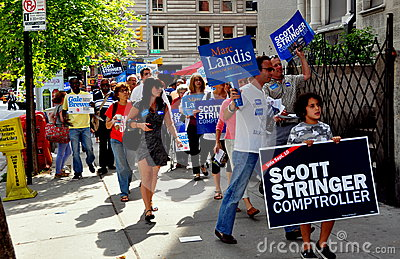 NYC: Volunteers Campaigning for Democrats Editorial Stock Image
