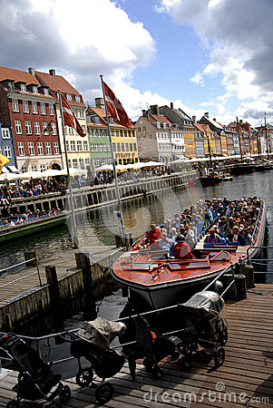 Free NYHAVN CANAL Stock Photo - 56898980