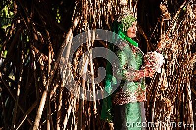 Nyligen gifta sig posera för brud