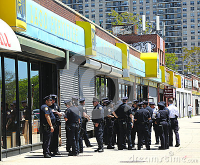 NYPD officers ready to patrol streets on Memorial Day in Brooklyn, NY Editorial Photo