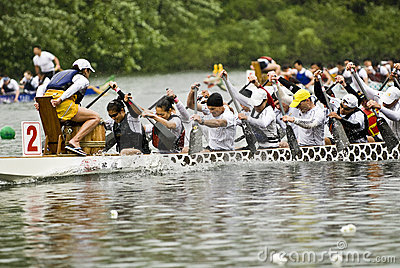 O barco predador do dragão de Mayfair Fotografia Editorial