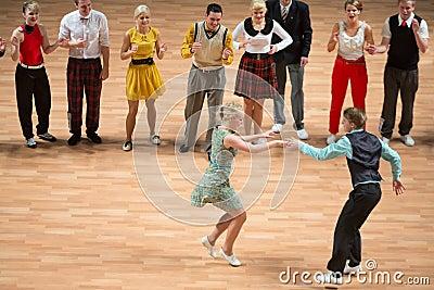 O campeonato de Orld no rock and roll acrobático e no mundo domina a dança-woogie Fotografia Editorial