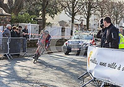 O ciclista Mathias Frank Paris Prologu 2013 agradável Foto Editorial