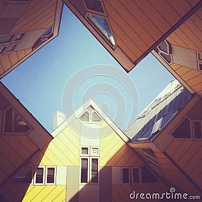 O cubo abriga o hotel em Rotterdam Foto de Stock Editorial